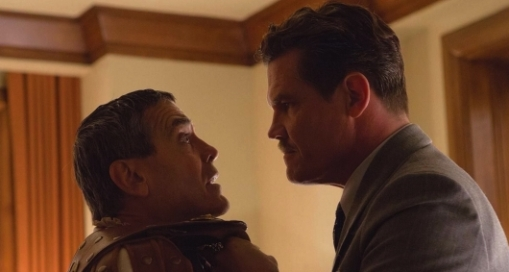 Josh Brolin and George Clooney in Hail Caesar